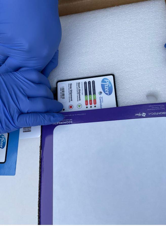 Добра вест: Стигнаа 10.000 фајзерови вакцини (фото)